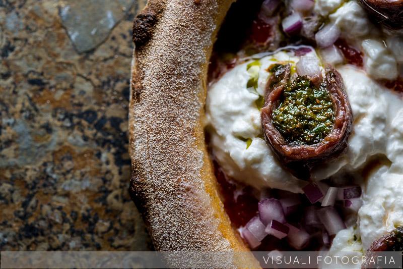 pizza-burrata-acciughe-cipolla-tropea (1)
